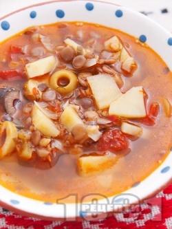 Бистра зеленчукова чорба (супа) с леща, картофи, маслини, чесън и домати без запръжка - снимка на рецептата